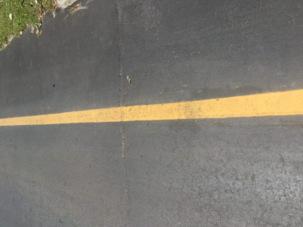 parking lot yellow line